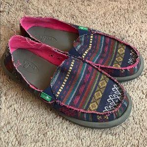 Women's size 6 Sanunk slip on shoes